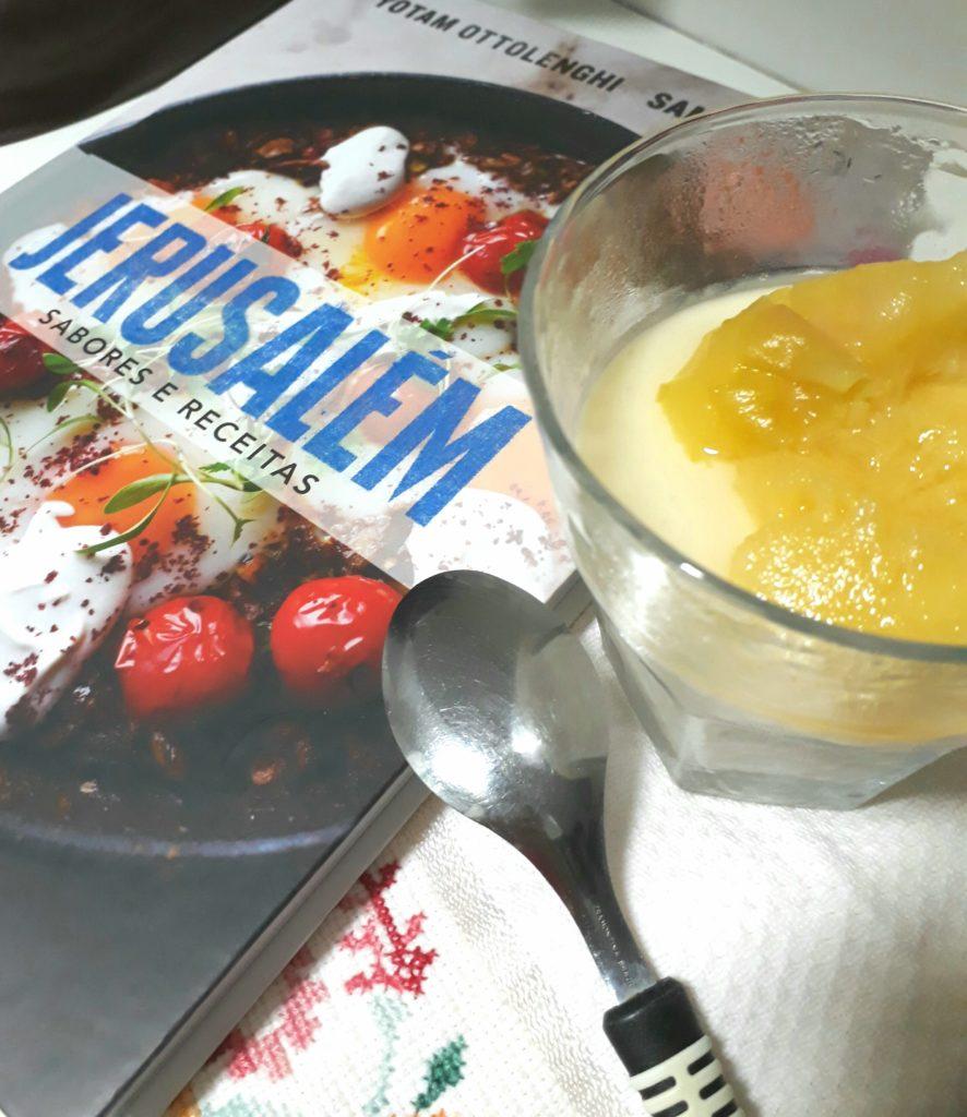 pudim de iogurte com pêssego